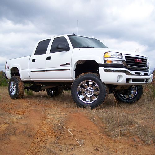 6in Chevy/GMC Lift Kit Gallery 3